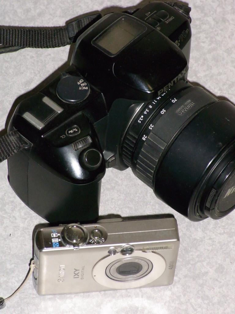 PENTAX Z-70pとCanon IXY DIGITAL 50