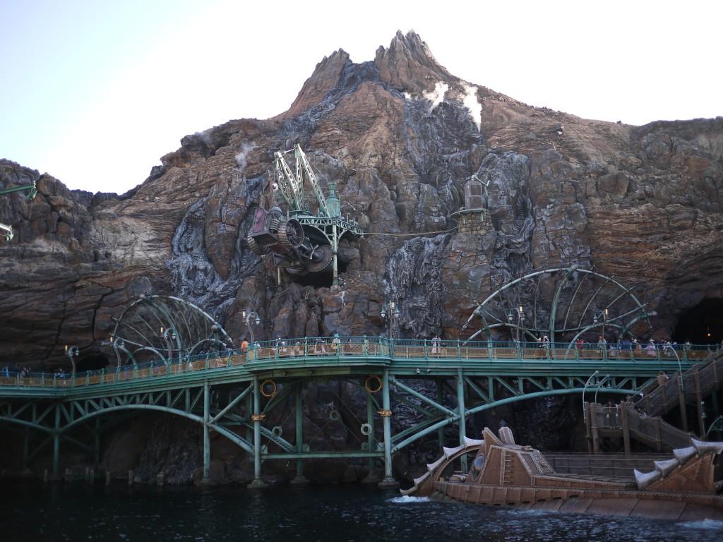 火山脇の湖