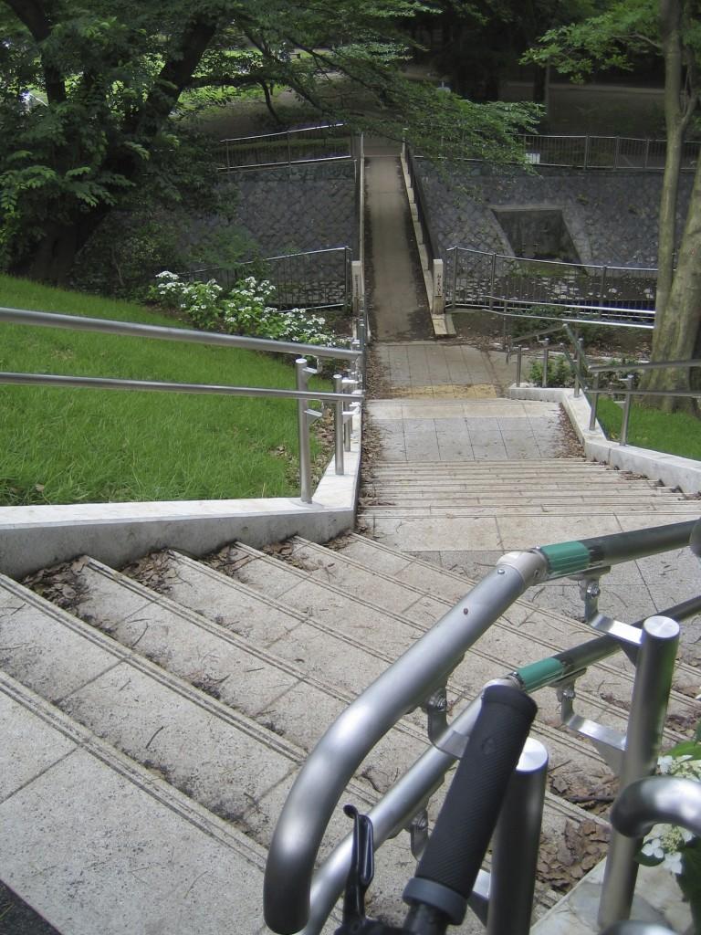 御供米橋に続く階段