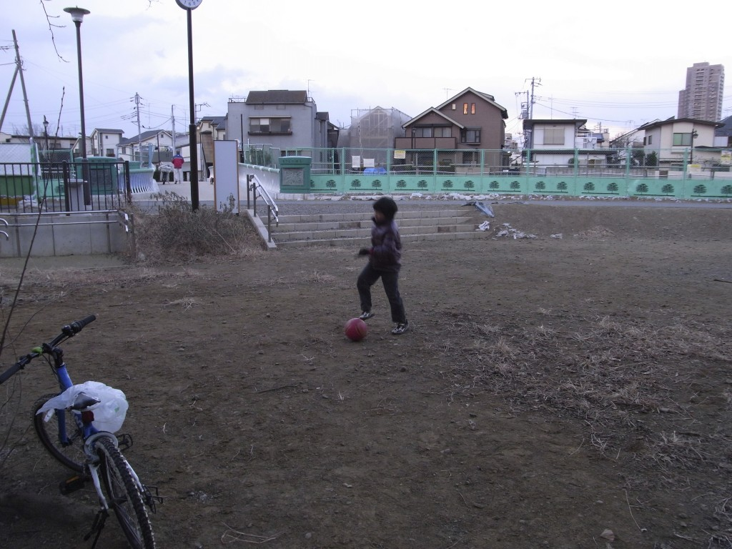 サッカーボールを蹴るのは久々でした