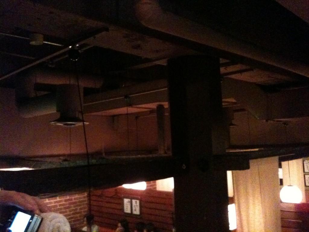 天井の配管類