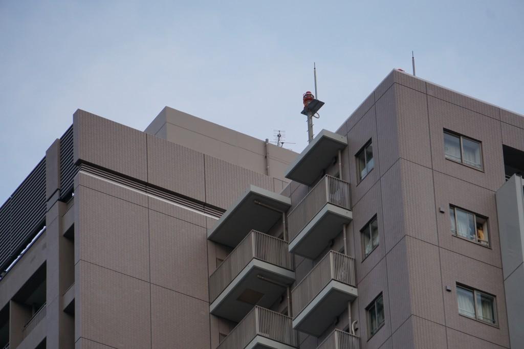 タワーマンションの頂上