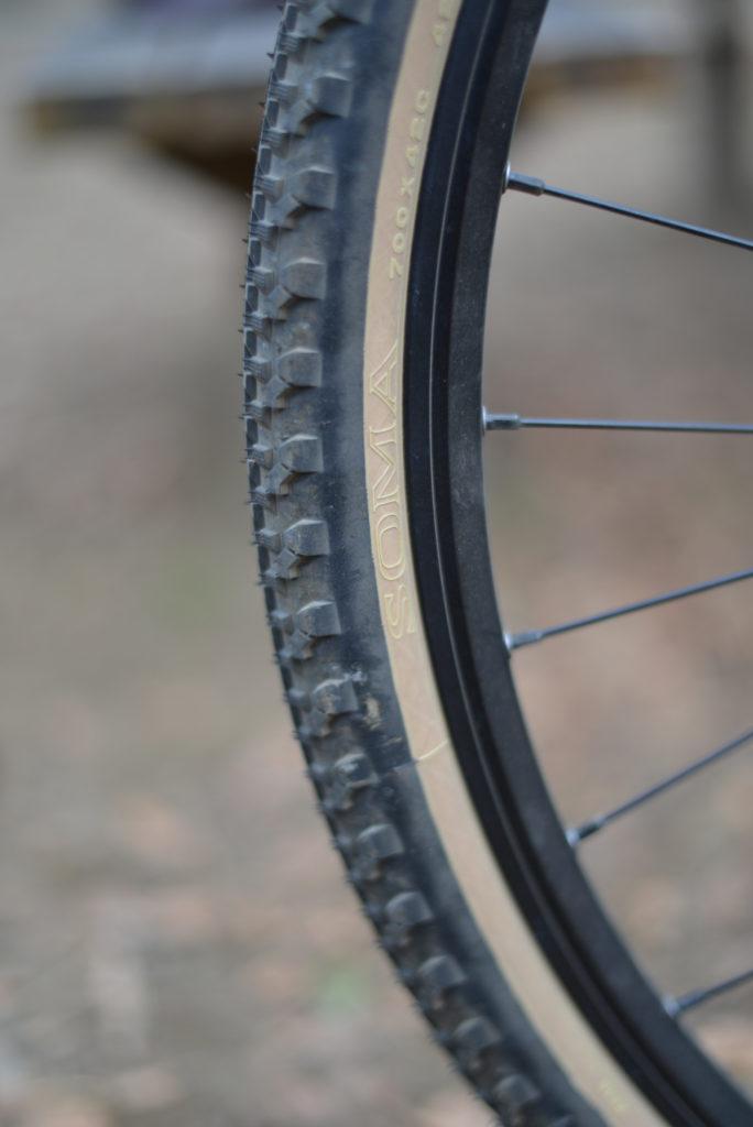 SOMAの42mm幅のタイヤ