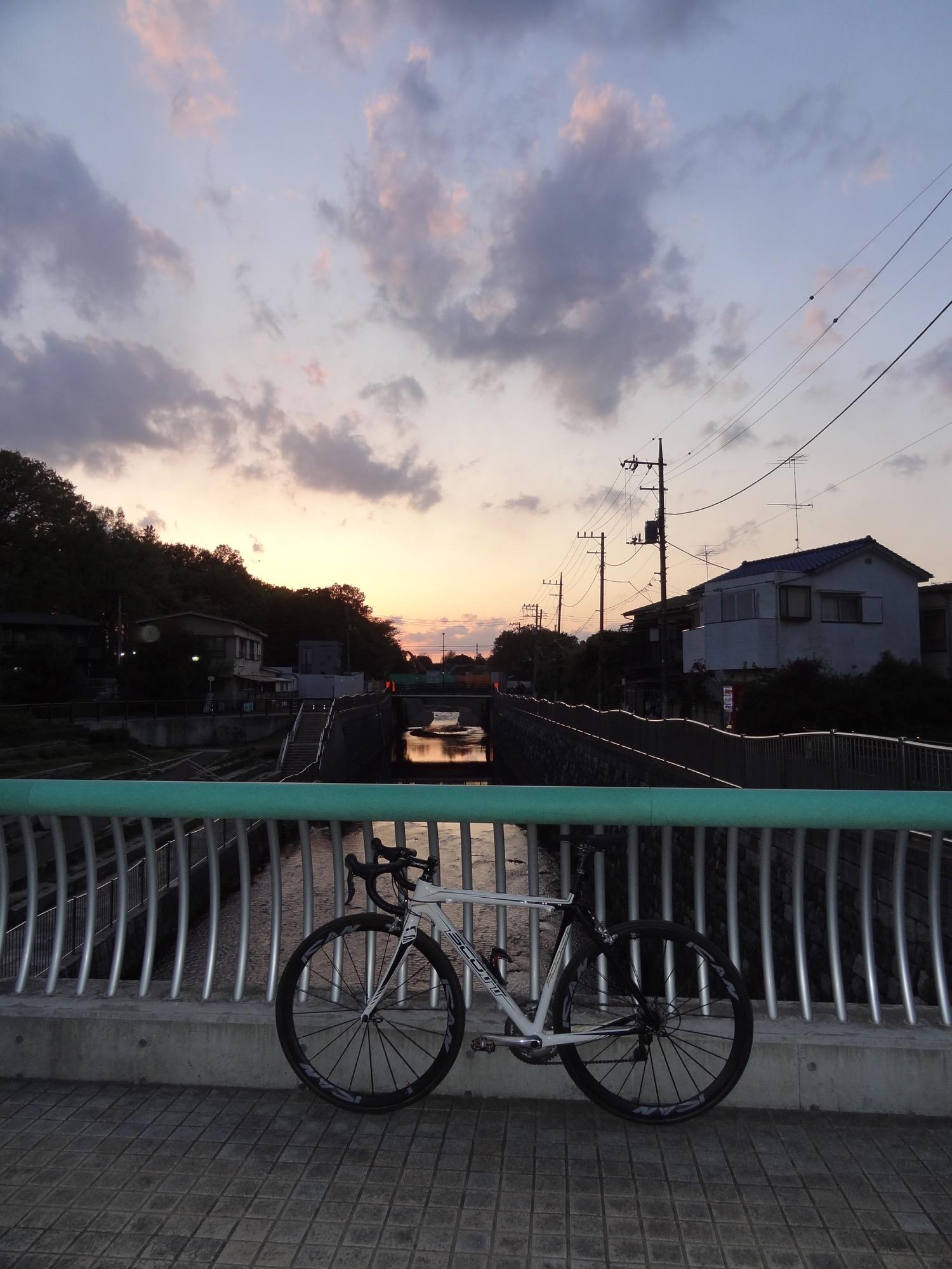 今日は久々に自転車に乗りまくりました