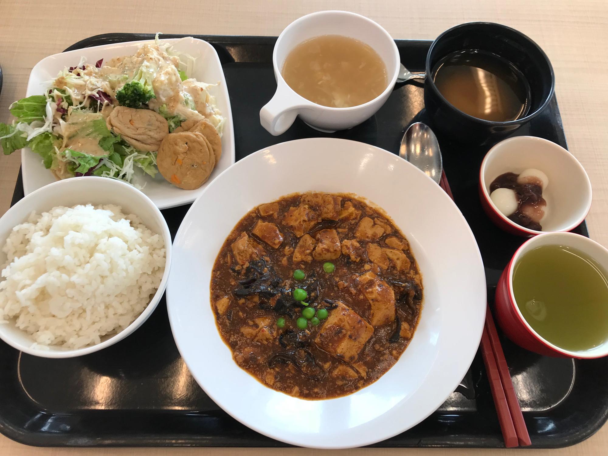 9階のカフェにて。四川風麻婆豆腐定食