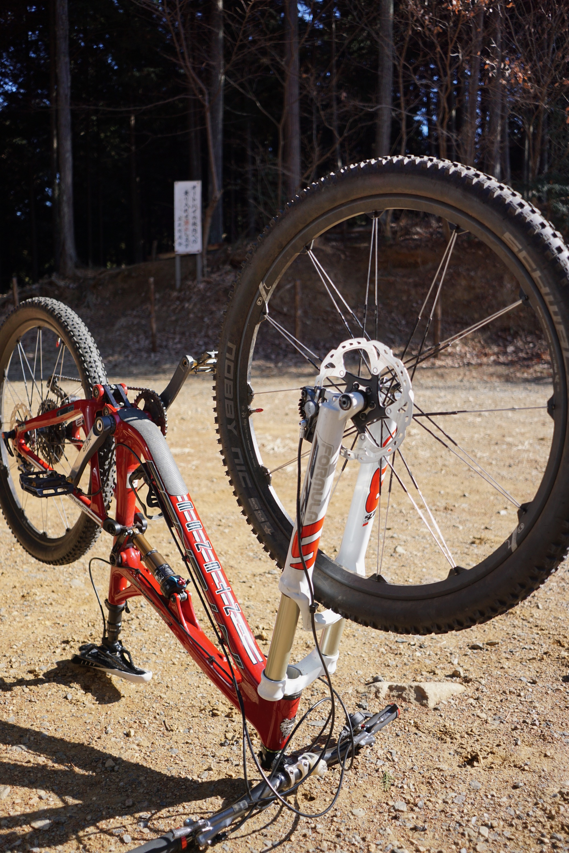 後輪ブレーキが常に強めに接触