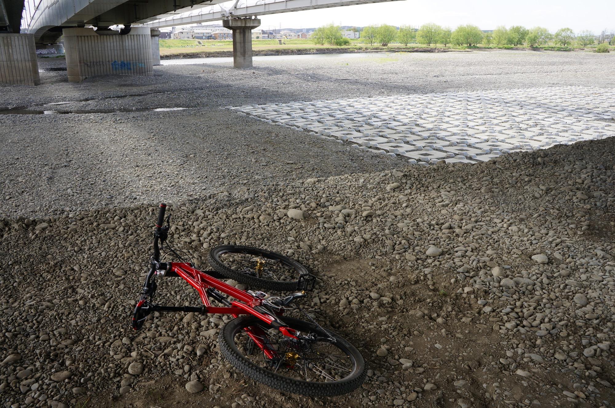 多摩川の流量が減ってる