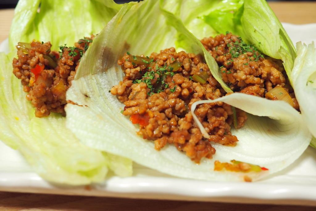 ピリ辛挽肉のレタス巻き
